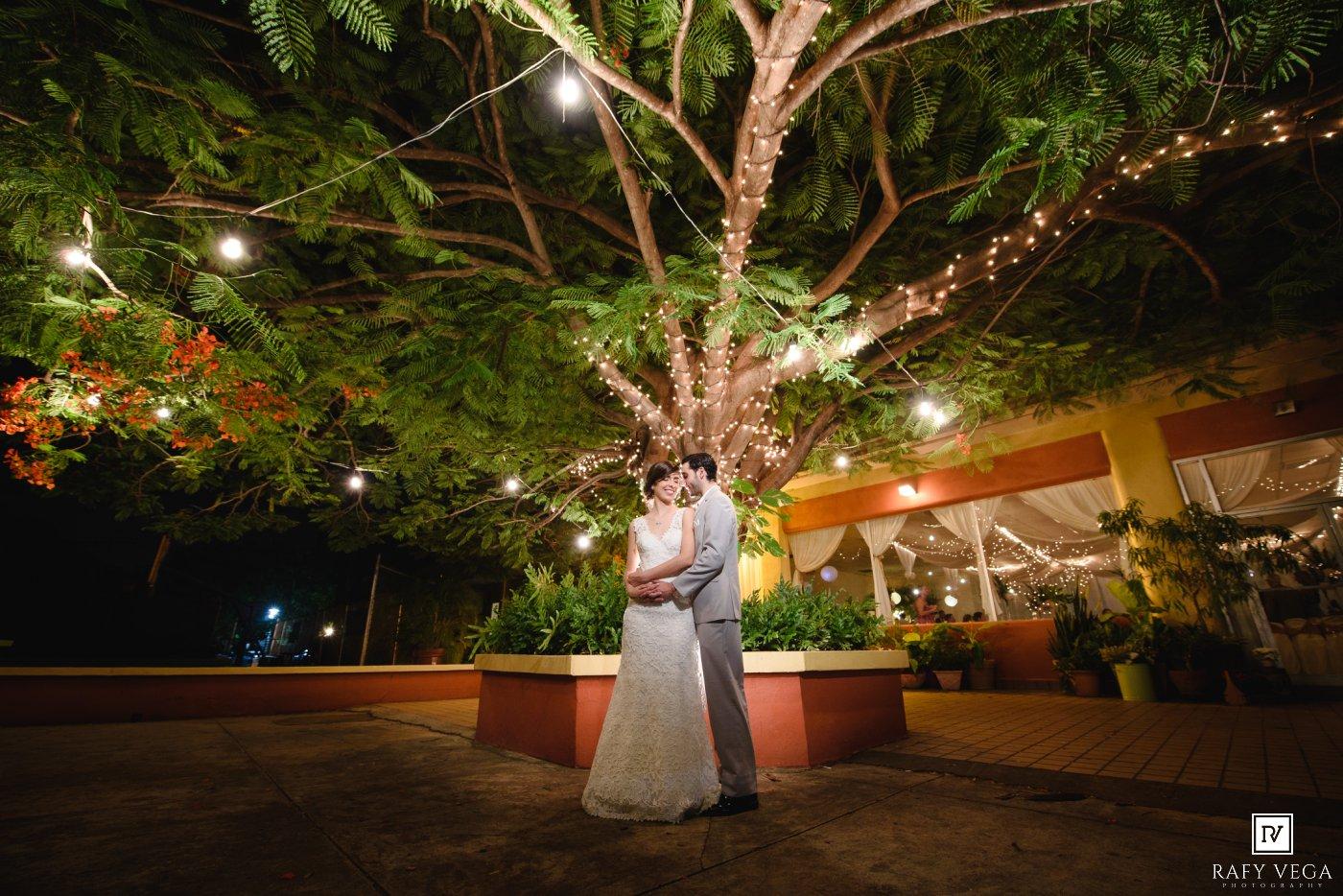 Rafy vega photography for Bodas en el jardin botanico de caguas
